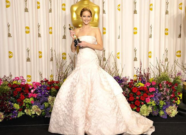 Jenifer Lawrence uwiera haute couture?